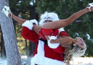 Courtney_Stodden_Y_Papa_Noel_03